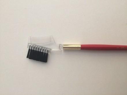 Профессиональная щётка-расчёска для бровей и ресниц №01 Cinecitta Brush nylon: фото